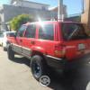 Jeep roja 4x4